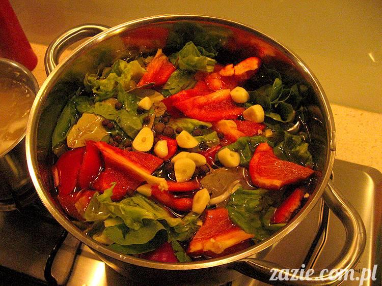 wegetatywne i telluryczne ingrediencje obiadu o zapachu dzikim i polnym
