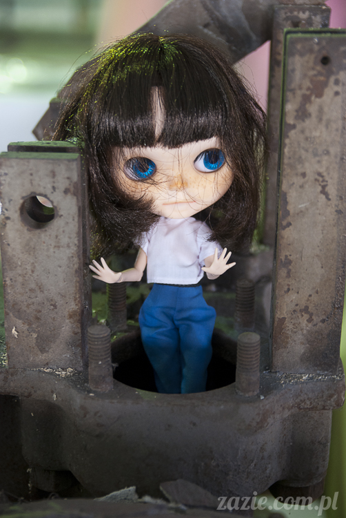 Blythe Simply Chocolate Orka custom by Zazie sesja zdjęciowa w fabryce wódek Koneser w Warszawie