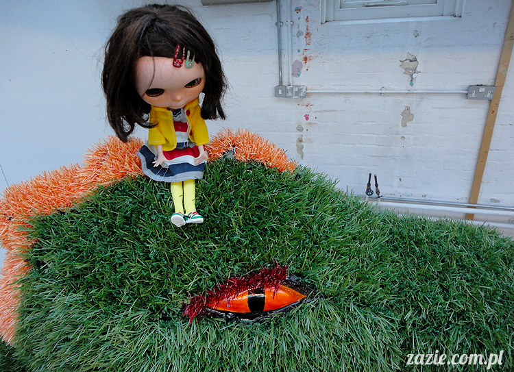 Orka Blythe doll Simply Chocolate custom by Zazie, Sceny z życia smoków