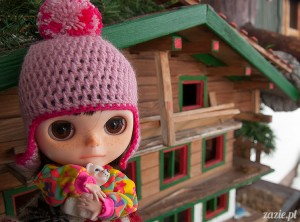 lalka Blythe doll Simply Chocolate & Vanilla custom ooak by Zazie Oh!Zazie, winter time play on the snow ski mountains